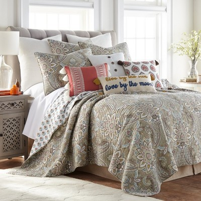 Kassandra Quilt and Pillow Sham Set - Levtex Home