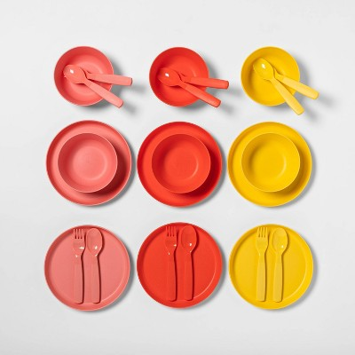 24pc Plastic Dinnerware Set - Pillowfort™