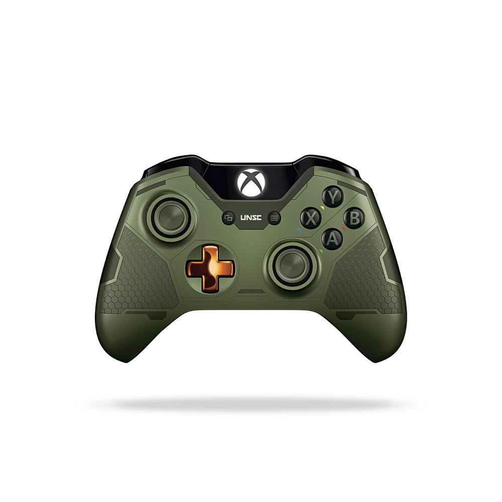 Xbox One Limited Edition Halo 5: Guardians The Master Chief Wireless Controller, Black Xbox One Limited Edition Halo 5: Guardians The Master Chief Wireless Controller Color: Black.