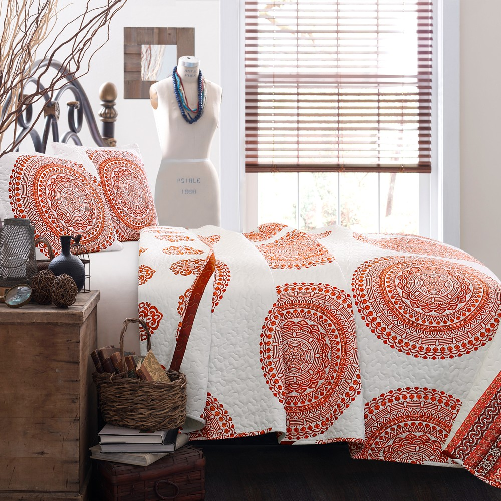 Tangerine (Orange) Shaila Medallion Quilt Set (Full/Queen) - Lush Decor