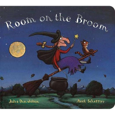 Room on the Broom (Reprint)- by Julia Donaldson (Board Book)