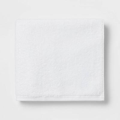 Everyday Bath Towel White - Room Essentials™