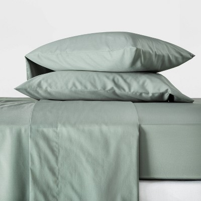 Queen 300 Thread Count Temperature Regulating Solid Sheet Set Sage Green - Casaluna™