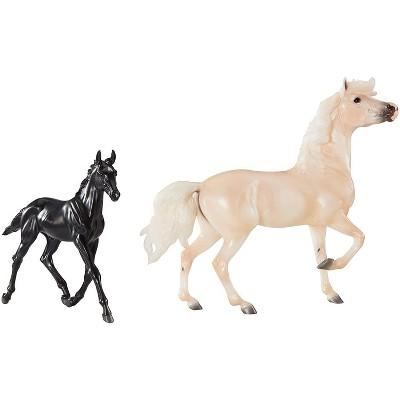 Breyer Animal Creations Breyer Traditional 1:9 Scale Model Horse Gift Set   Encore & Tor