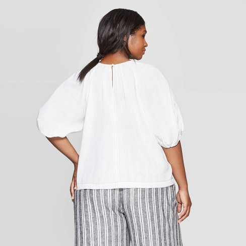 a2d4d7102fa8f2 Women's Plus Size Short Puff Sleeve Scoop Neck Contrast Stitch Blouse - Who  What Wear™