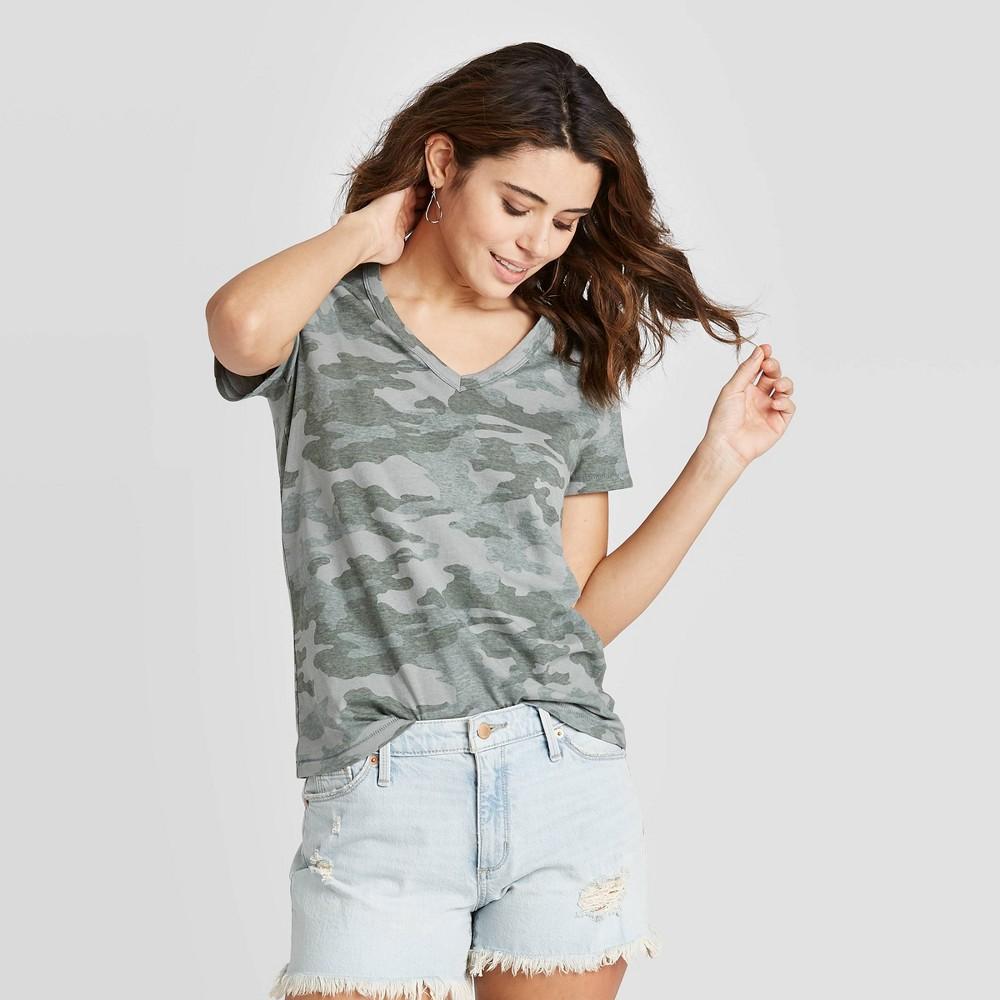 Women 39 S Camo Print Short Sleeve V Neck T Shirt Universal Thread 8482 Green Gray M