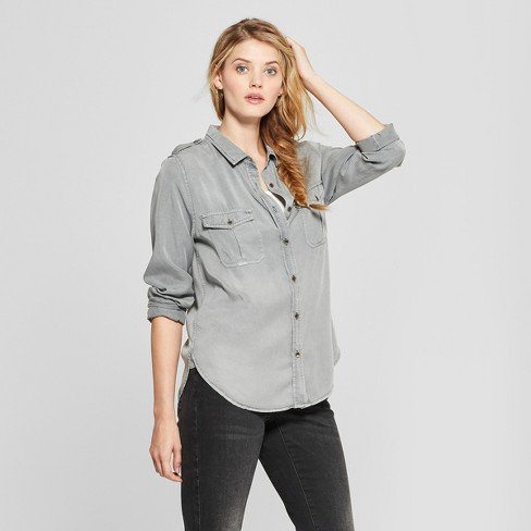 Women's Long Sleeve Collared Button-Down Shirt - Universal Thread™ - image 1 of 3