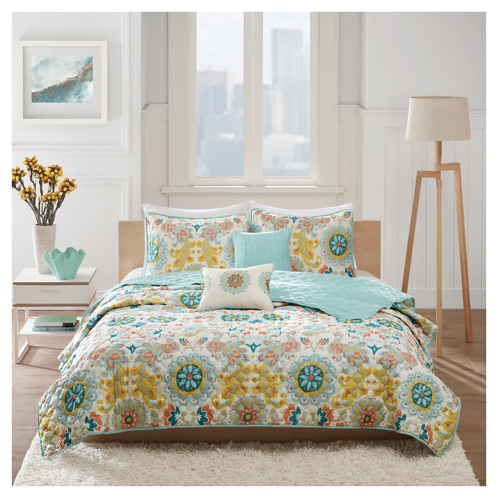 Folklore Astrid Quilt Set King 5 piece - Multicolor, Multicolored