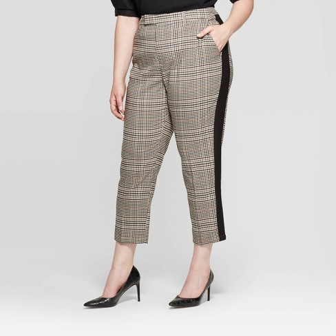 Women's Plus Size Plaid Mid-Rise Straight Cropped Trouser - Who What Wear™ Black - image 1 of 3