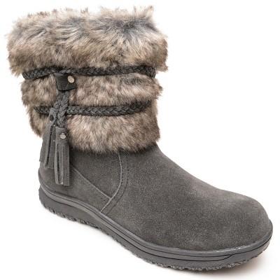 Minnetonka Women's Suede Everett Boot
