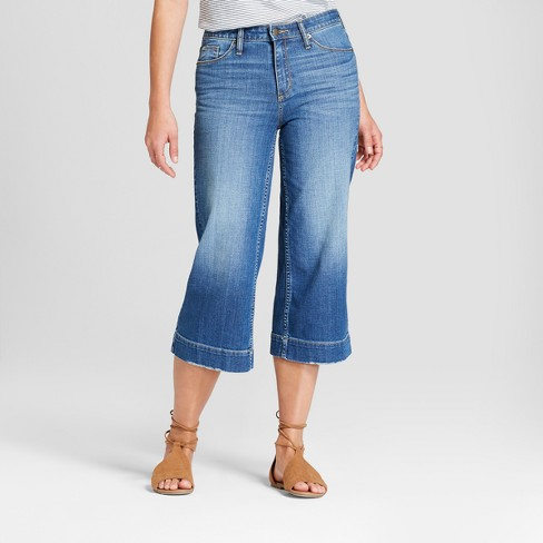 Women's High-Rise Wide Leg Crop Jeans - Universal Thread™ Medium Wash - image 1 of 3