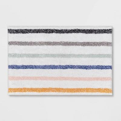 "20""x32"" Striped Tufted Bath White - Room Essentials™"