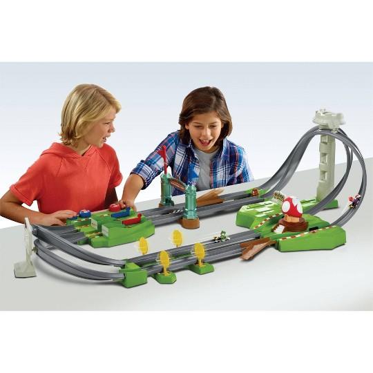 Hot Wheels Mario Kart Circuit Trackset image number null