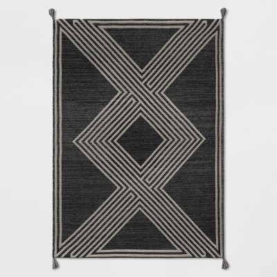 5'x7' Tasseled Outdoor Rug Charcoal - Project 62™
