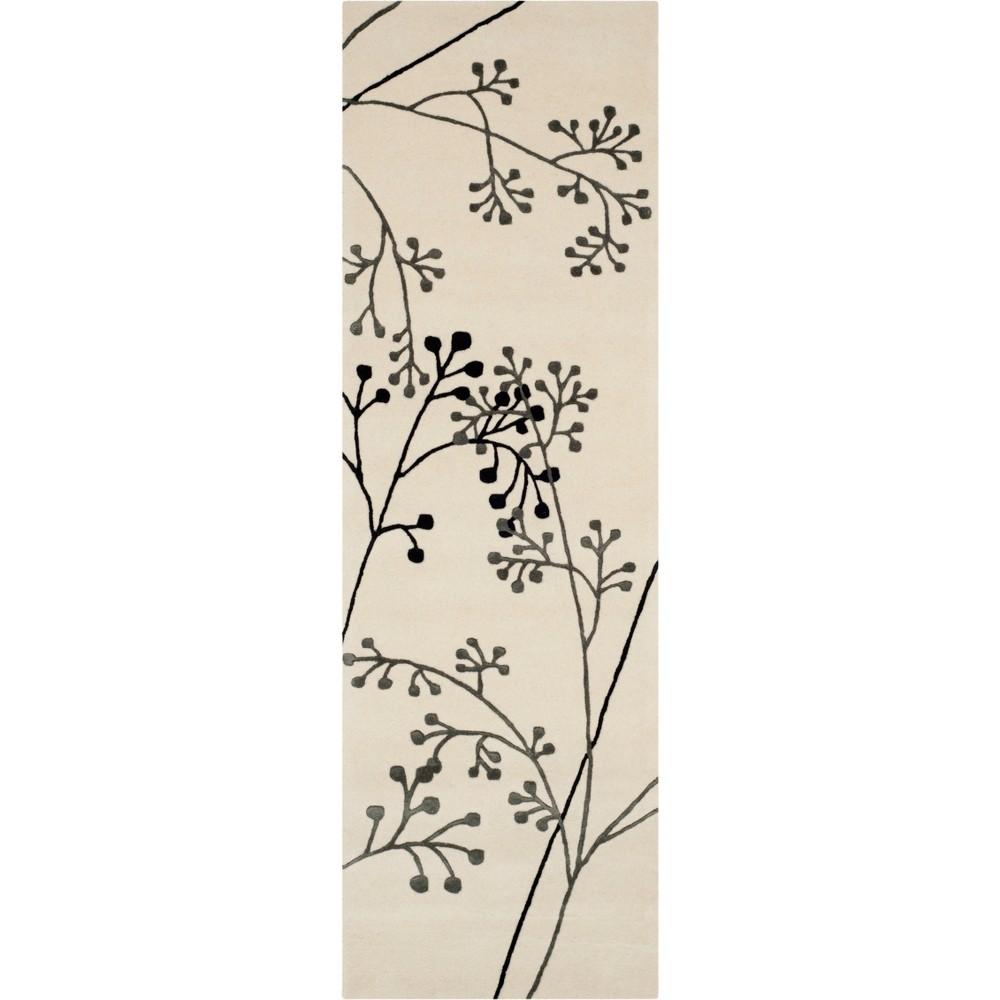 2'6X8' Floral Tufted Runner Ivory/Gray - Safavieh