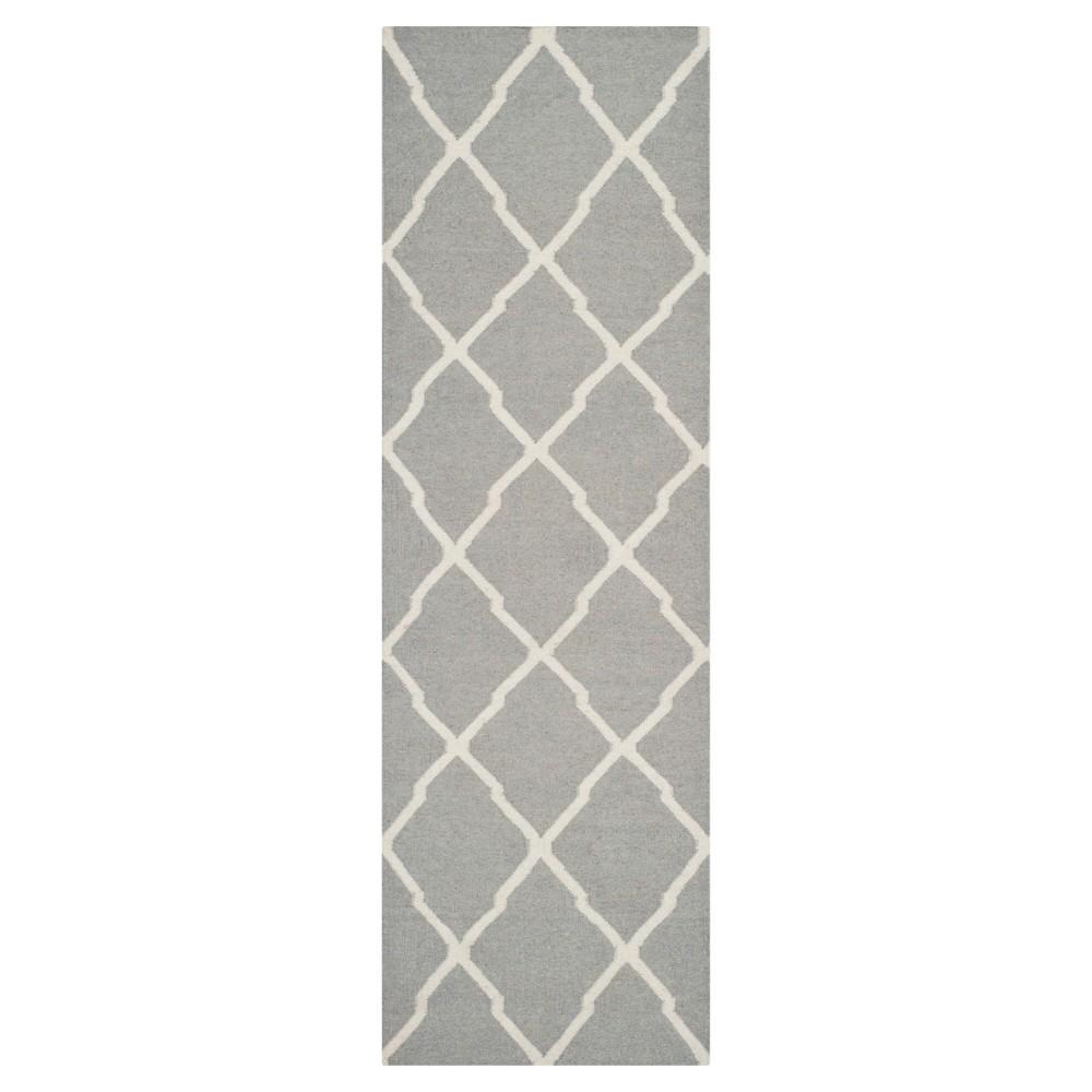 Taza Dhurry Rug - Grey/Ivory - (2'6x8') - Safavieh, Gray/Ivory