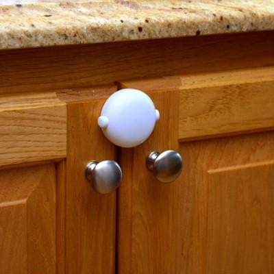 Qdos Adhesive Double Door Lock - White