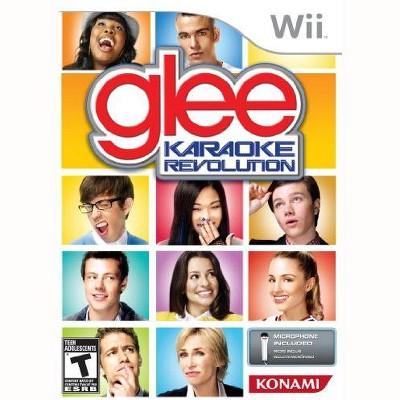 Karaoke Revolution Glee Bundle WII