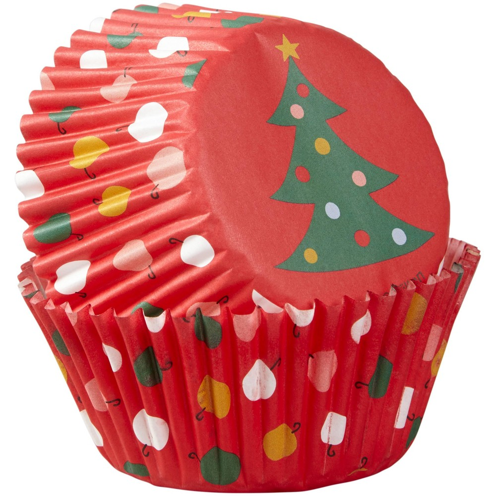 Image of Wilton 75ct Plastic Tree Baking Cups Red