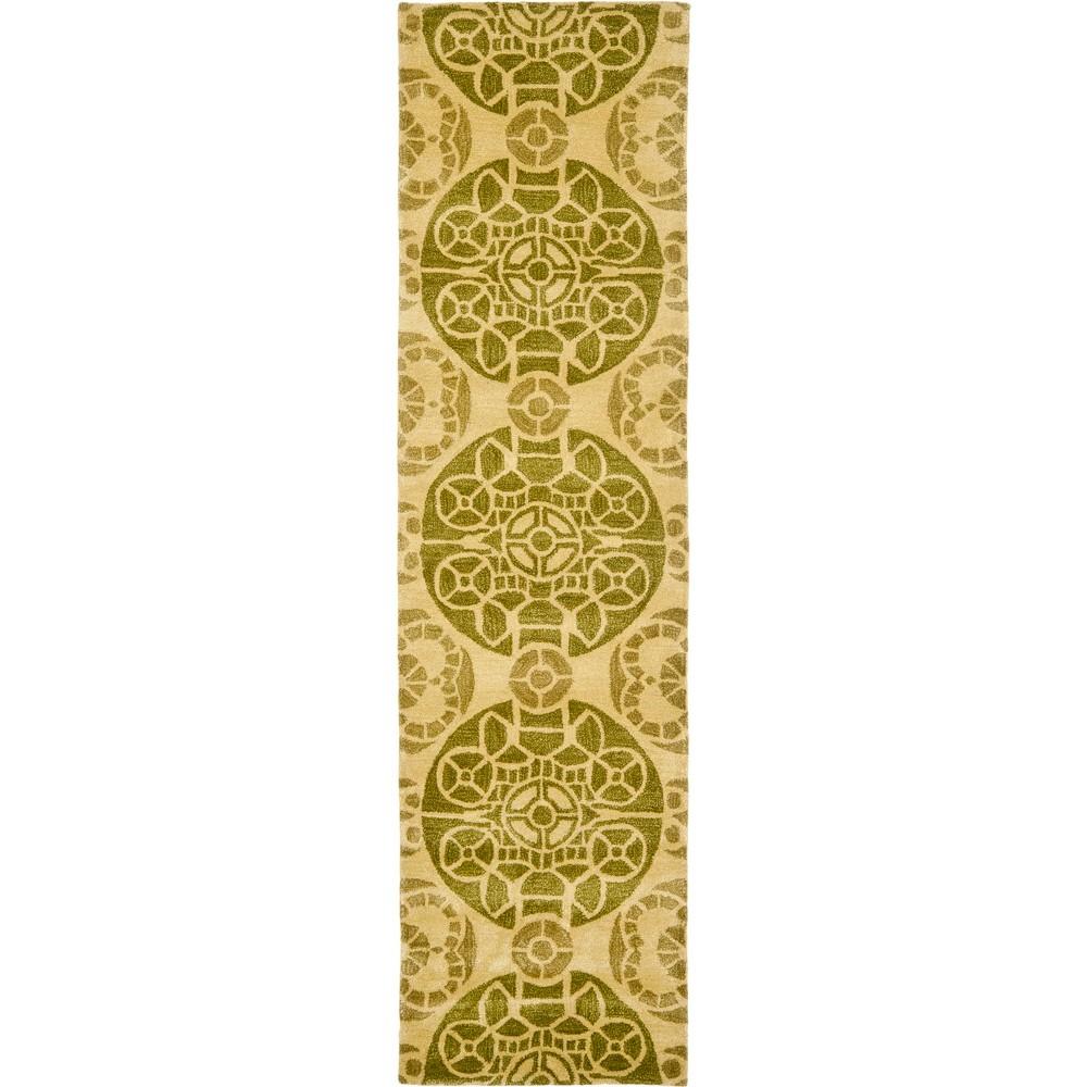 2'3X9' Medallion Tufted Runner Honey/Green - Safavieh