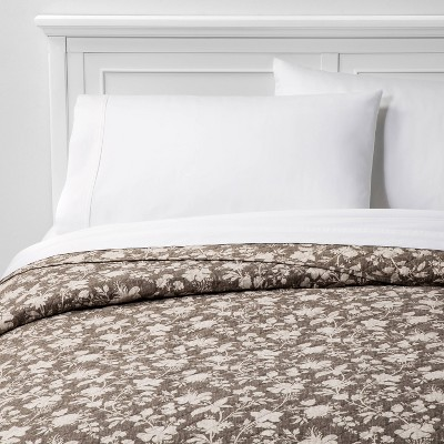 Family Friendly Floral Quilt Natural - Threshold™