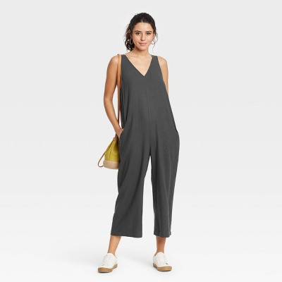 Women's Sleeveless Cropped Jumpsuit - Universal Thread™