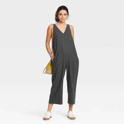Women's Sleeveless Cropped Jumpsuit - Universal Thread™