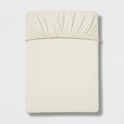Queen 300 Thread Count Ultra Soft Fitted Sheet Set Cream - Threshold™