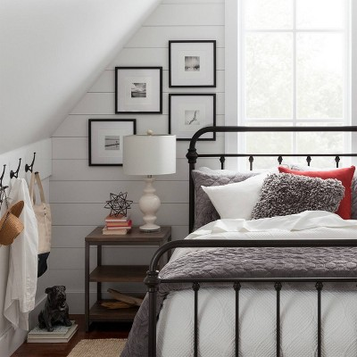 Cozy Farmhouse Chic Bedroom Collection