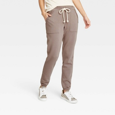 Women's Mid-Rise Fleece Drawstring Jogger Pants - Universal Thread™