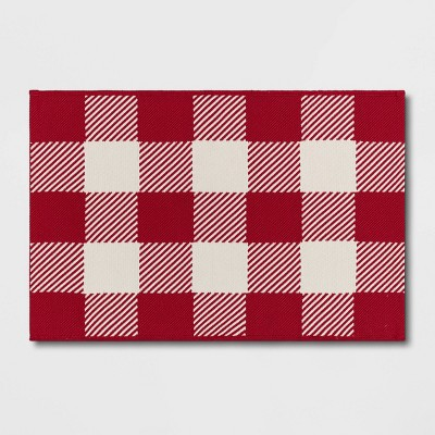 2'x3' Indoor/Outdoor Buffalo Check Scatter Red - Sun Squad™