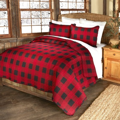 Lakeside Black and Red Checker Bed Quilt Set with Pillow Shams
