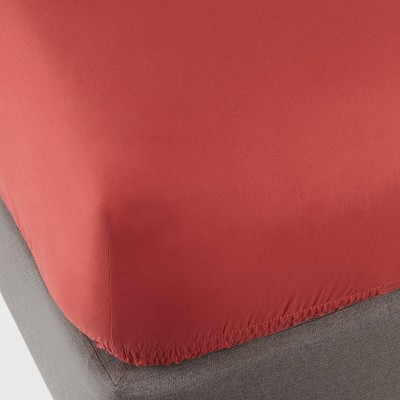 Full 300 Thread Count Ultra Soft Fitted Sheet Red Orange - Threshold™