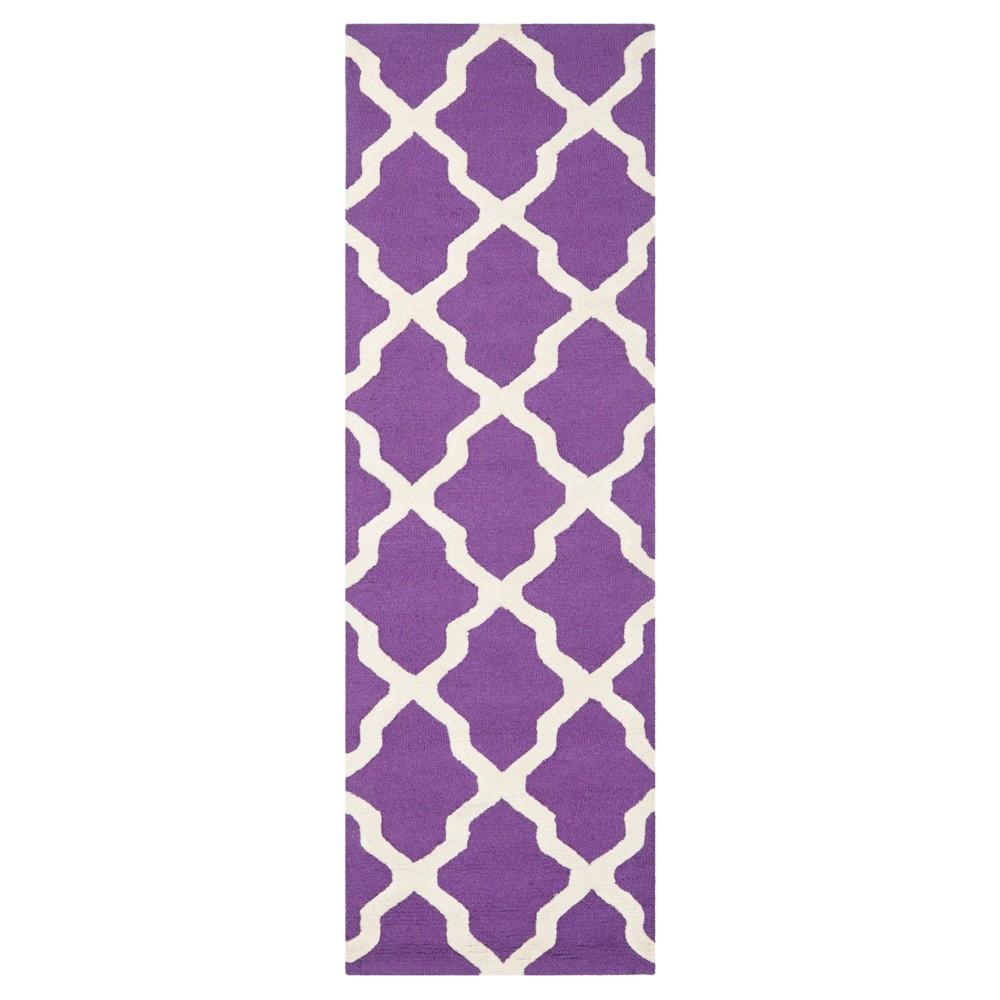 2'6X8' Geometric Runner Purple/Ivory - Safavieh