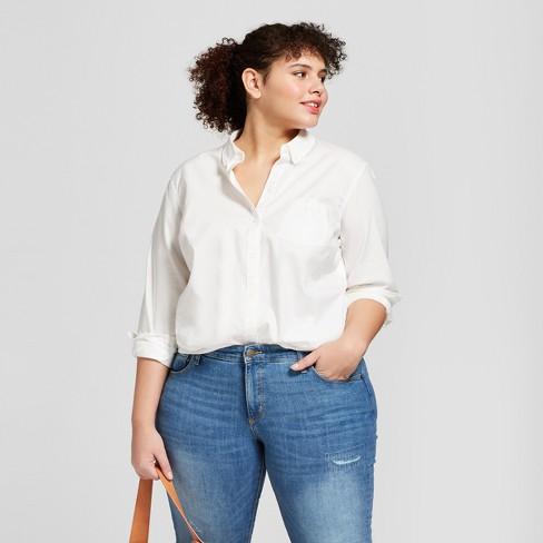 d56bb5d2 Women's Plus Size Long Sleeve Camden Button-Down Shirt - Universal Thread™