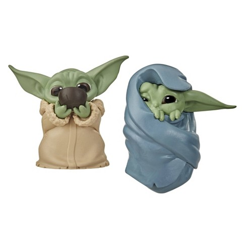 Star Wars The Bounty Collection The Child Collectible Toys Sipping Soup, Blanket-Wrapped Figure 2-Pack - image 1 of 4