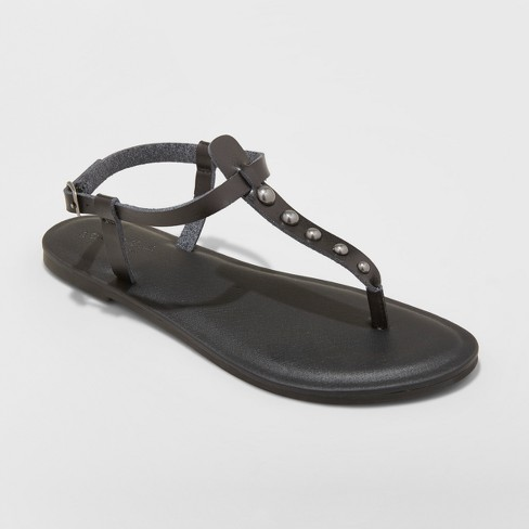 Women's Kylianne Thong Sandals - Universal Thread™ - image 1 of 3