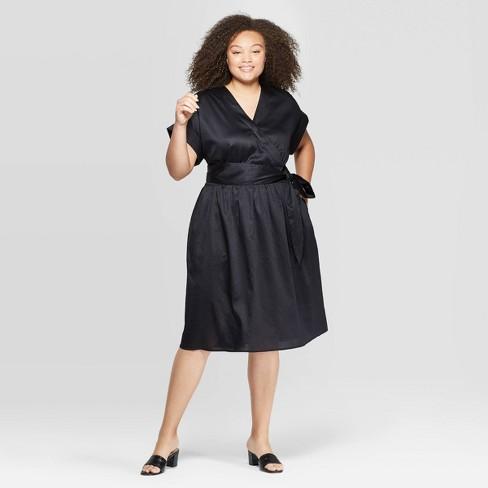 Women\'s Plus Size Short Sleeve V-Neck Wrap Dress - Who What Wear™ Black 4X