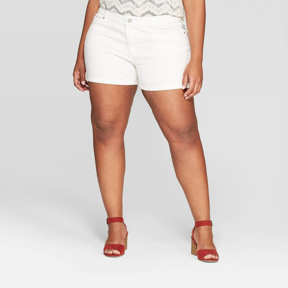 Women's Plus Size Mid-Rise Jean Shorts - Universal Thread White 20W