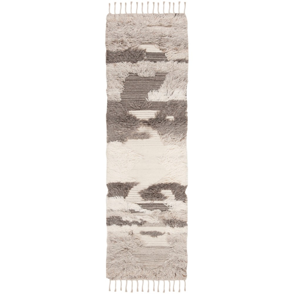 22X8 Camouflage Knotted Runner Ivory/Gray - Safavieh Best