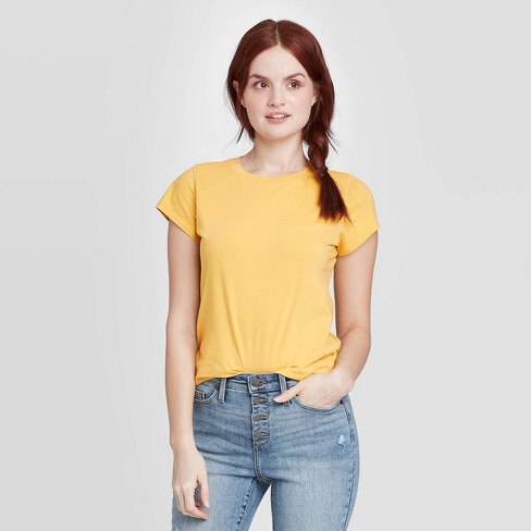 Women's Short Sleeve T-Shirt - Universal Thread™ - image 1 of 3