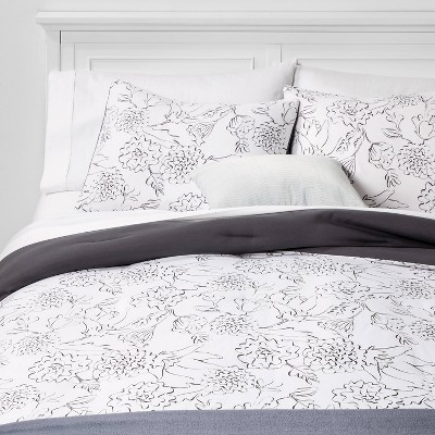 King Floral Bed in a Bag White - Room Essentials™
