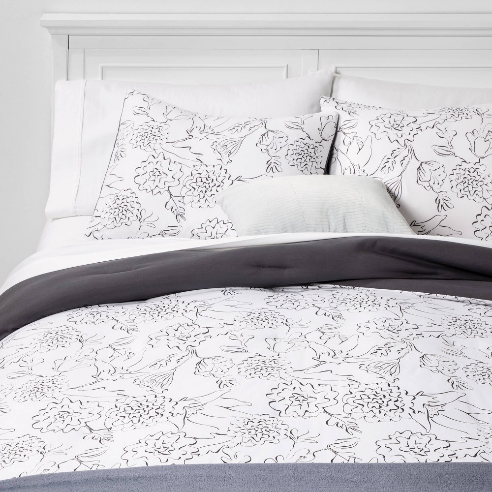 Twin/Twin Extra Long Floral Bed in a Bag White - Room Essentials, Gray