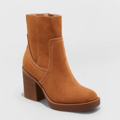 Women's Lilyan Platform Boots - Universal Thread™