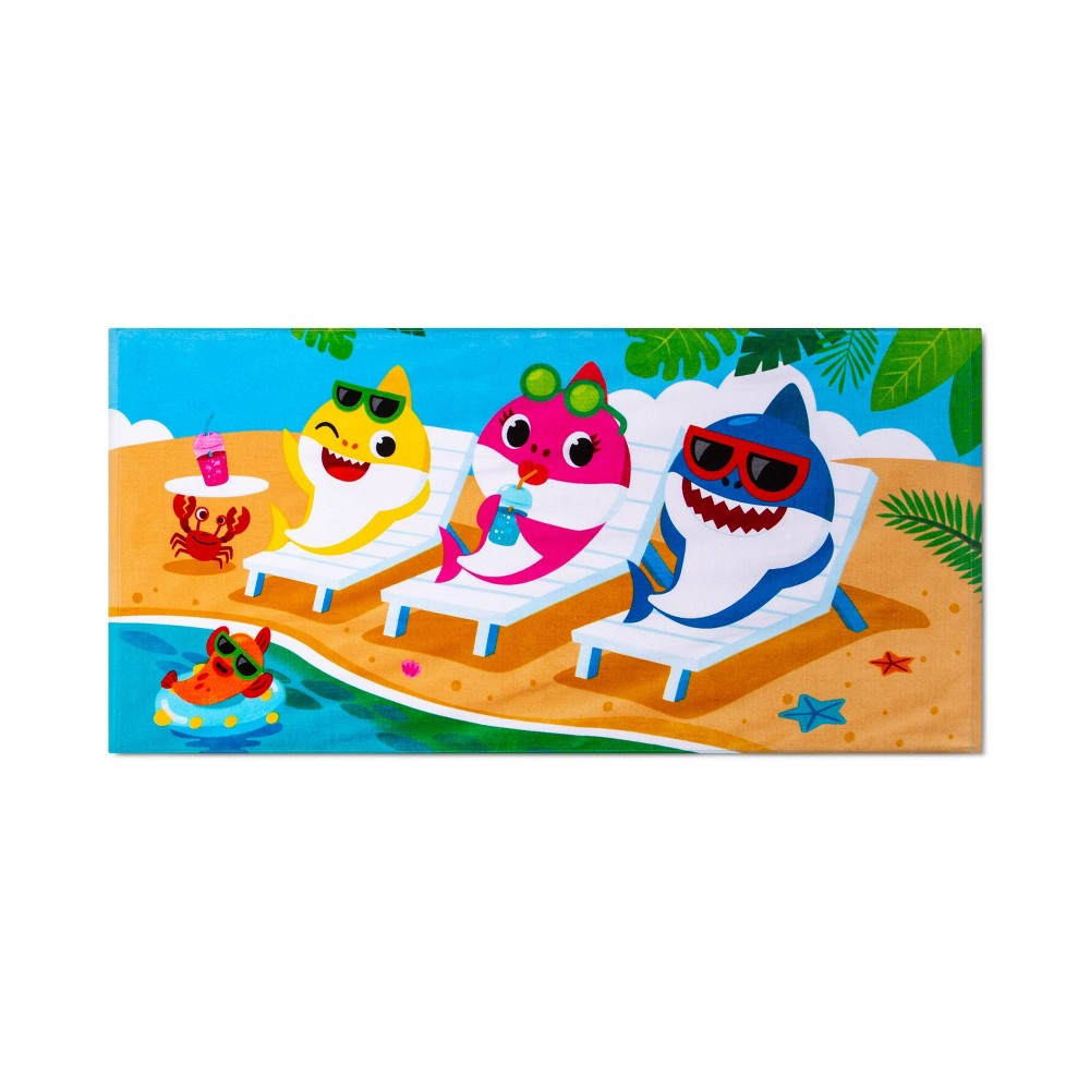 Image of Baby Shark Show of Fins Bath Towel - Pinkfong