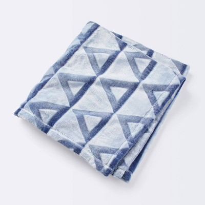Embossed Baby Blanket Triangle - Cloud Island™ Blue