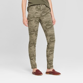 Women's High-Rise Camo Print Skinny Jeans - Universal Thread™ Green 12