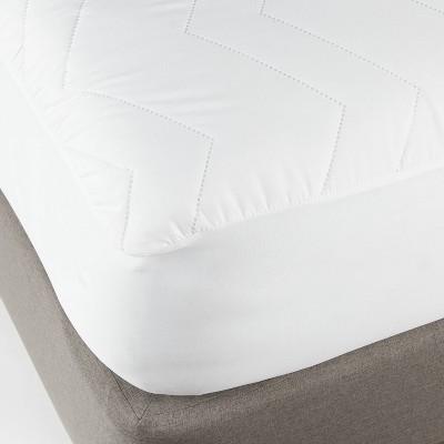 Queen Machine Washable Mattress Pad - Room Essentials™