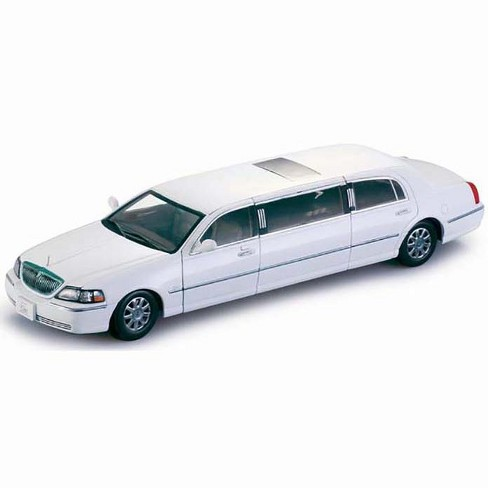 2003 Lincoln Town Car Limousine Vibrant White 1 18 Target