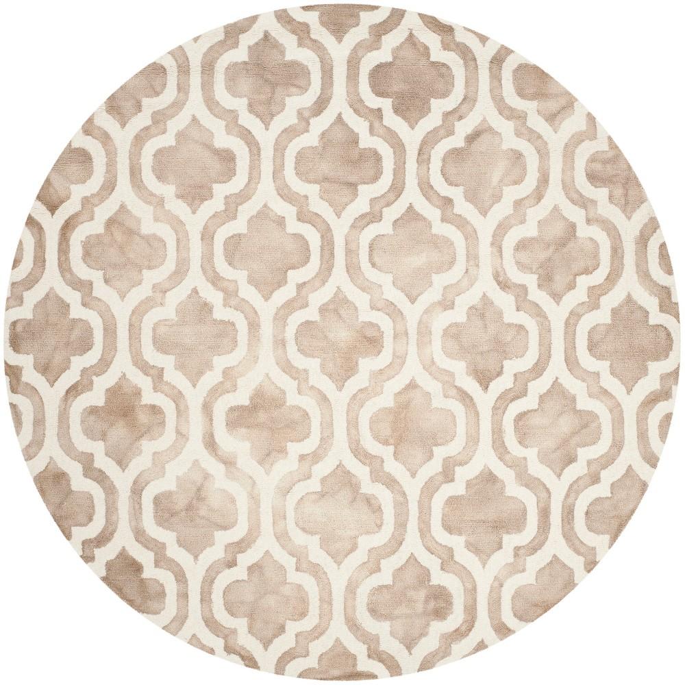 7' Quatrefoil Design Round Area Rug Beige/Ivory - Safavieh